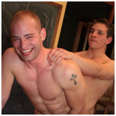 REBEU DOMINATEUR SEXE HOT GAY